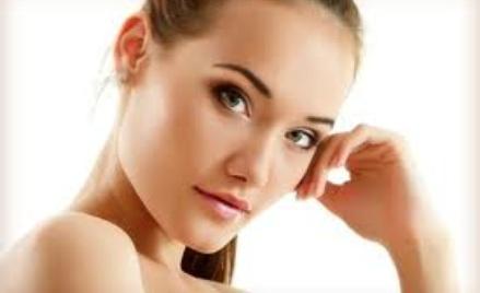 Różne zabiegi dla ciała rekomendowane przez kosmetyczkę.